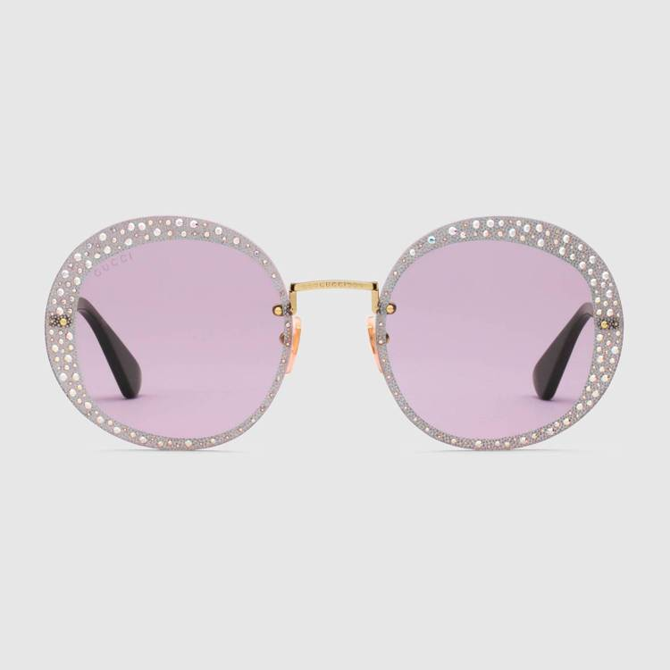 水晶圓框太陽眼鏡,39,100元。圖/Gucci提供