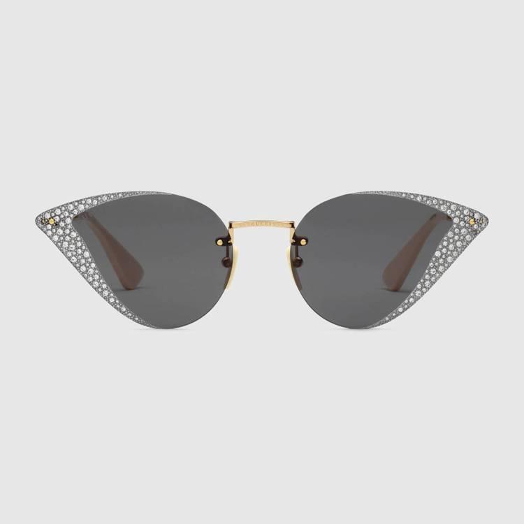 水晶貓眼太陽眼鏡,39,100元。圖/Gucci提供