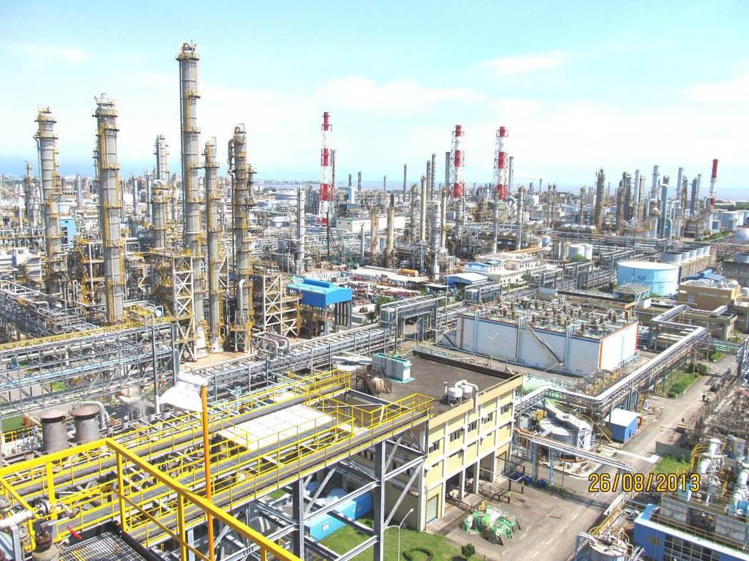 石化廠照片
