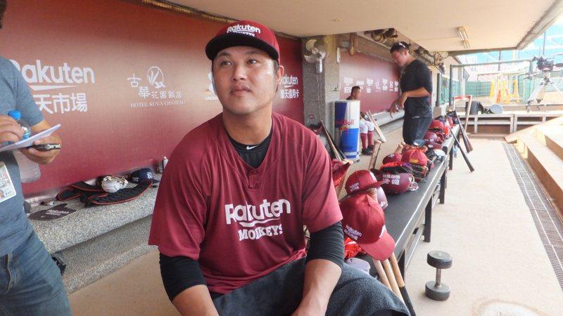 陳俊秀看老隊友王柏融的近況,用「日本投手要小心了」形容。記者藍宗標/攝影