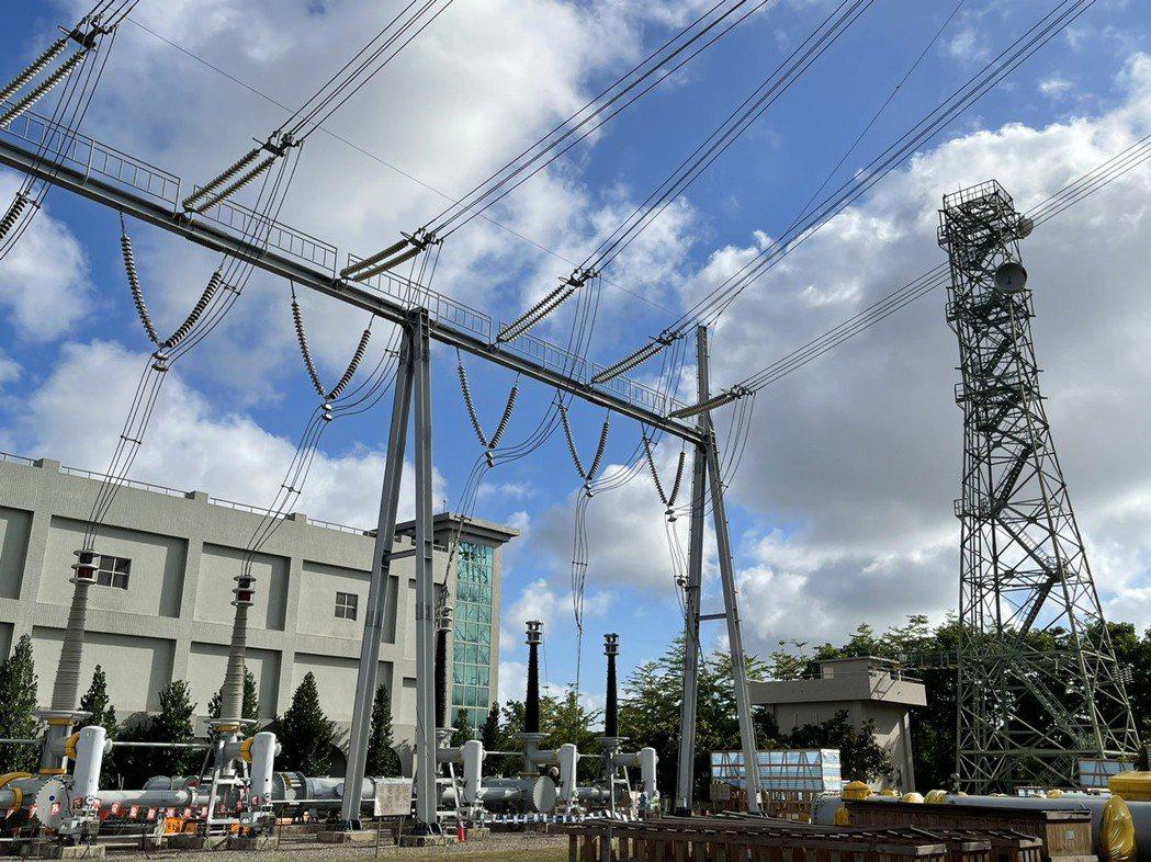 高雄路北變電所故障,導致興達電廠四部機組跳脫,造成多個縣市停電。記者劉學聖/攝影