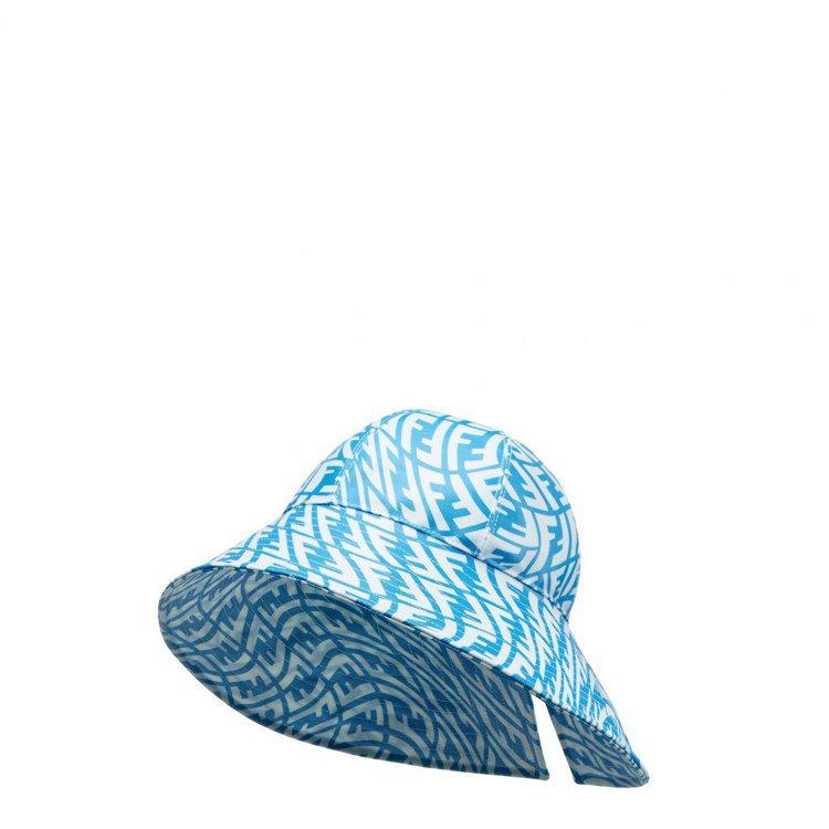 FENDI Vertigo藍色寬沿帽,22,800元。圖/FENDI提供