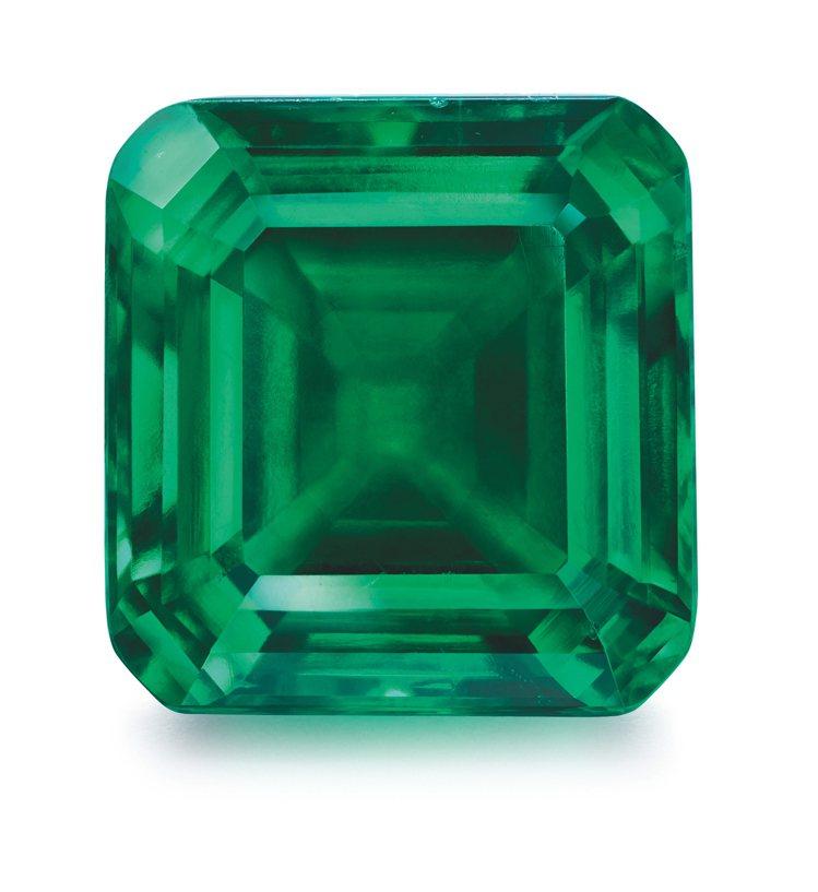 海瑞溫斯頓,Rockefeller-Winston祖母綠,顏色純正濃郁、淨度幾近...