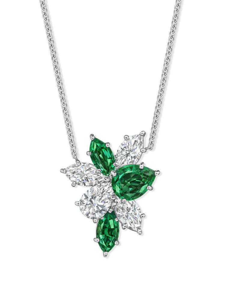 海瑞溫斯頓Winston Cluster系列祖母綠鑽石墜鍊,240萬元。圖 / ...