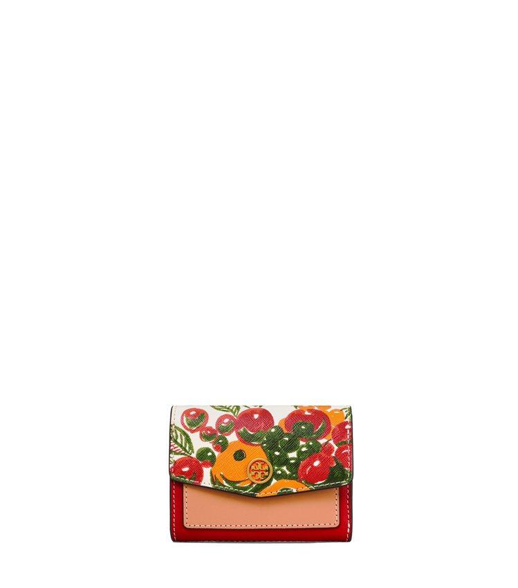 水果籃印花皮夾,價格店洽。圖/Tory Burch提供