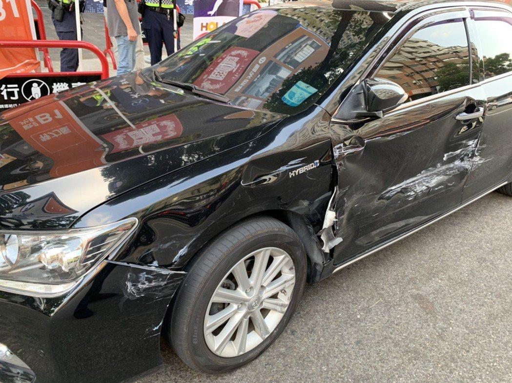 台中市因興達電廠事故,導致多區交通號誌燈不亮,今天下午5時許,南屯區大墩路、大墩...