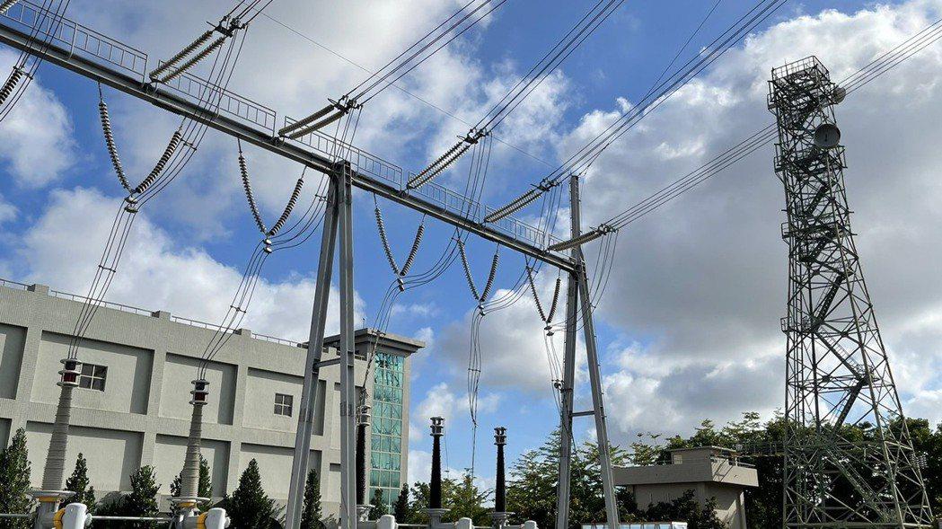 高雄路北變電所匯流排故障,導致興達電廠四部機組跳脫,引發多個縣市停電。記者劉學聖...