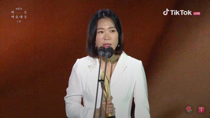 嚴慧蘭以「驅魔麵館」奪得電視部門女配角獎。圖/摘自TikTok