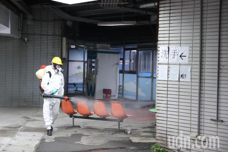 近日本土新冠疫情擴大,14日新增29例的本土個案中,有7例感染源尚未釐清,其中染疫的案1203獅子會前會長足跡遍布各處。 記者曾吉松/攝影