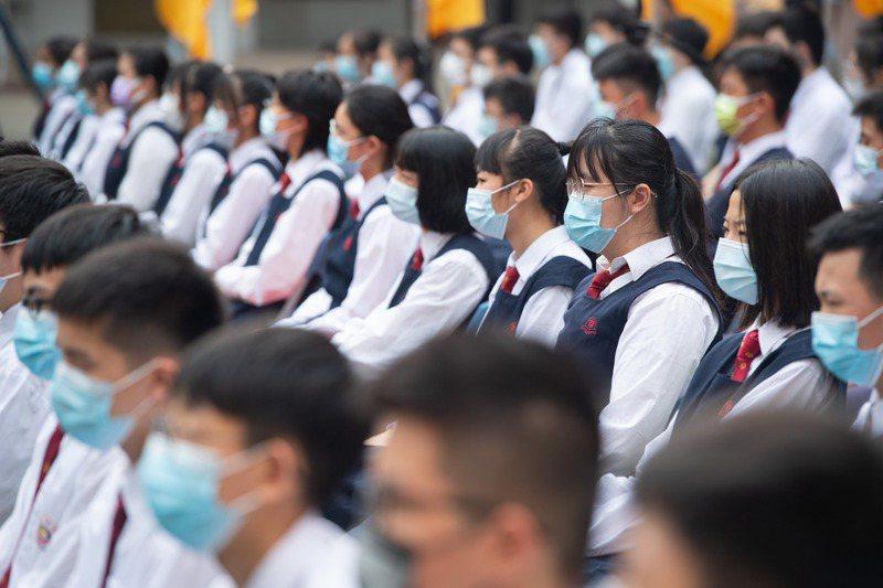 成都市高中生墜樓案件近日引發大陸輿論高度關注和討論。新華社