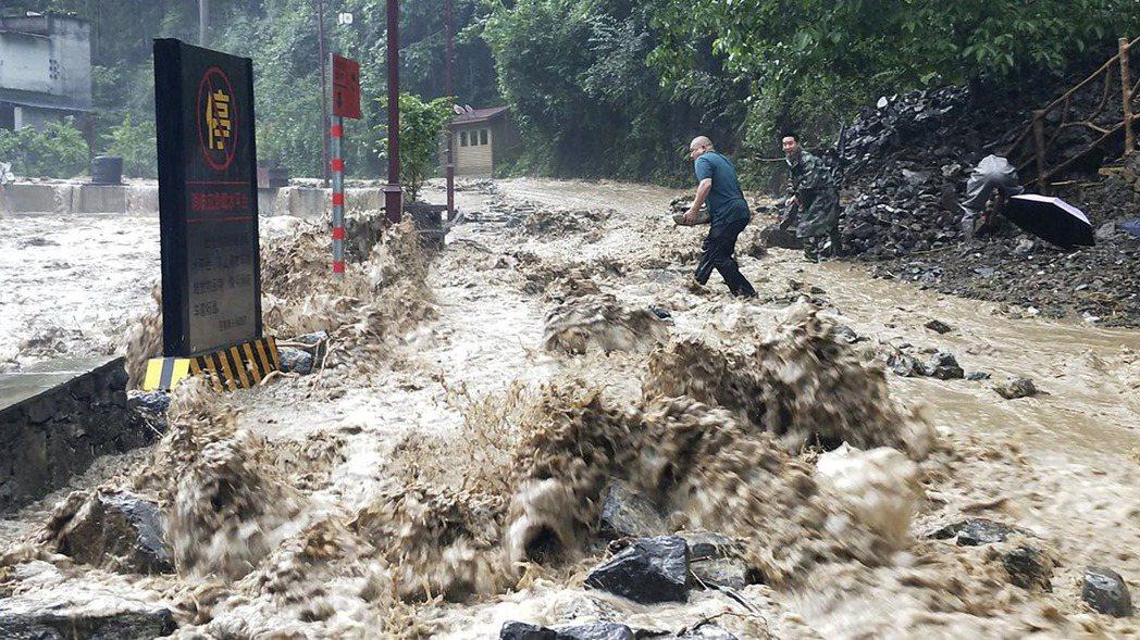 英國風險顧問公司VM表示,全球生態風險最嚴重的100座城市中,亞洲就占了99座。...