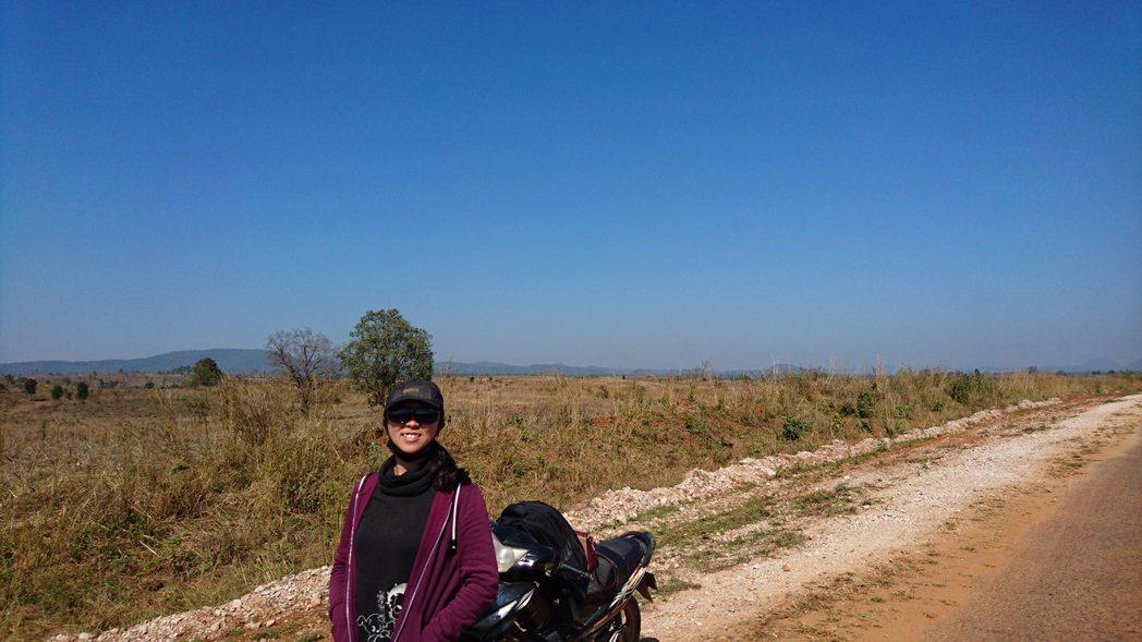 林語珊在畢業後的空檔,籌組短期志工團到緬北的華文學校服務。 圖/林語珊提供