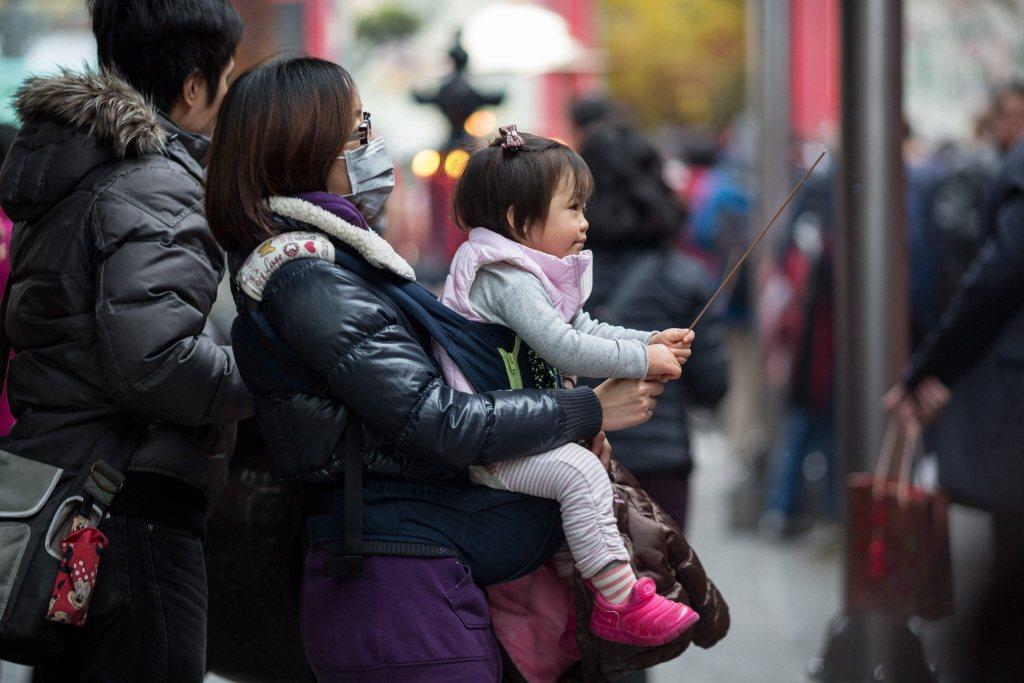 「當媽媽至今,您的幸福感有多少?」 圖/歐新社