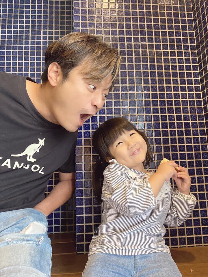 林佑星與女兒小花。圖/擷自林佑星臉書