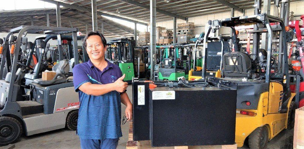 日日興能源科技總經理王士豪說,該公司的電池及堆高機租賃服務既優質又實惠。莊智強/...