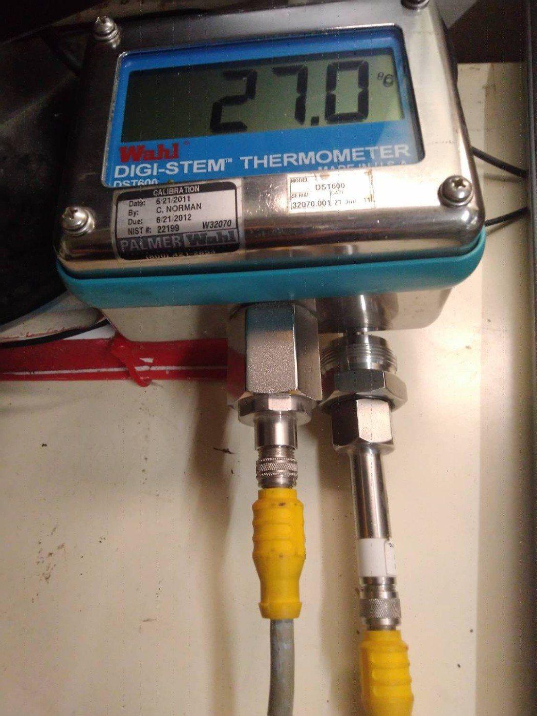 食品級的「Digi-Stem數字溫度顯示/傳送器」,具有溫度最大值與最小值記錄功...