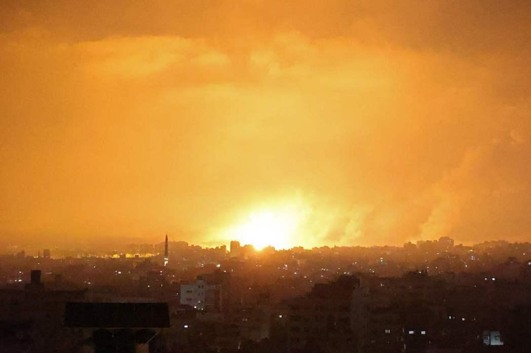 以色列與巴勒斯坦衝突加劇,瀕臨全面開戰,以國軍方13日表示,將向總參謀長提交從地...