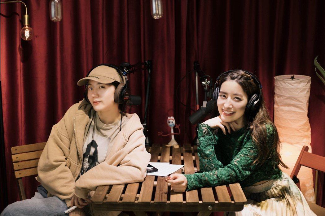 Lara(右)日前作客陳艾琳的Podcast訴演藝圈變態潛規則讓自己身心俱疲。圖...