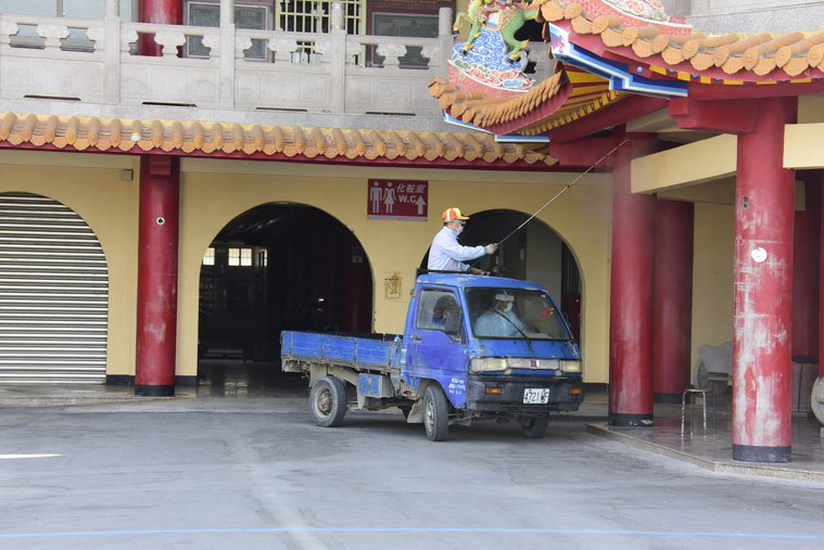 台北市萬華區「楓香清茶館」工作的案1221為50多歲女性,足跡曾在5月7日發病日...