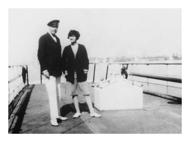 香奈兒女士(右)與西敏公爵,曾在蘇格蘭留下不少甜蜜記憶。圖/香奈兒提供