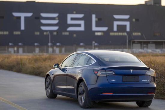 特斯拉正在與大陸電池生產商億緯鋰能洽商,希望將億緯鋰能加入上海工廠供應鏈。(圖/取自新浪網)