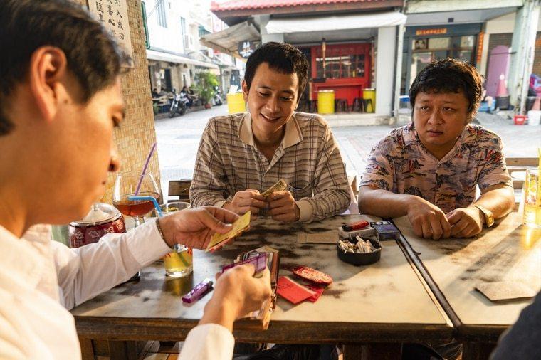 劉冠廷(中)、納豆(右)以「同學麥娜絲」雙雙入圍台北電影獎最佳男配角。圖/甲上提...