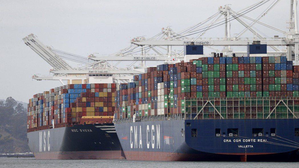 貨櫃海運市場運價繼續飆漲,遠東到美西線才回檔一周,價格就立即反彈。(歐新社)