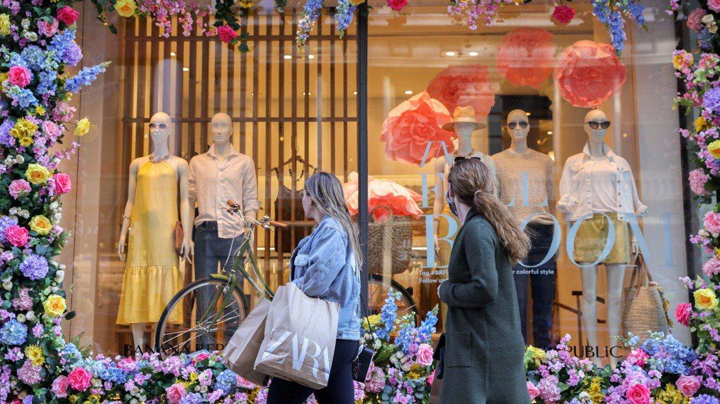 美國4月零售銷售意外零成長。(路透)