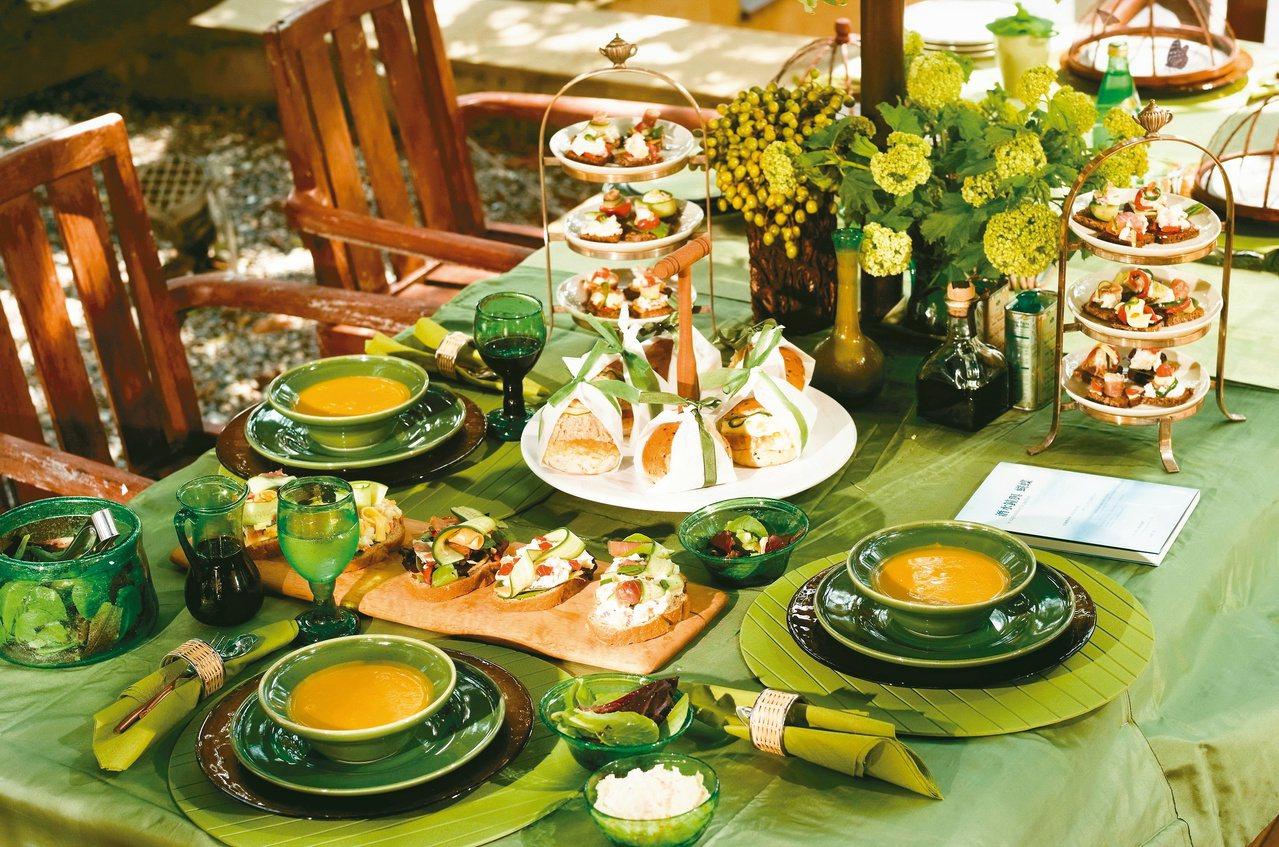 從貼近生活的飲食和節慶入手,每個家庭的母親,都是全家的生活主持人。圖/姚任祥提供...