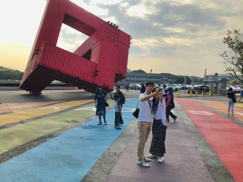 疫情嚴峻,高雄市文化局宣布6月8日前停止或延辦相關藝文活動。圖/文化局提供