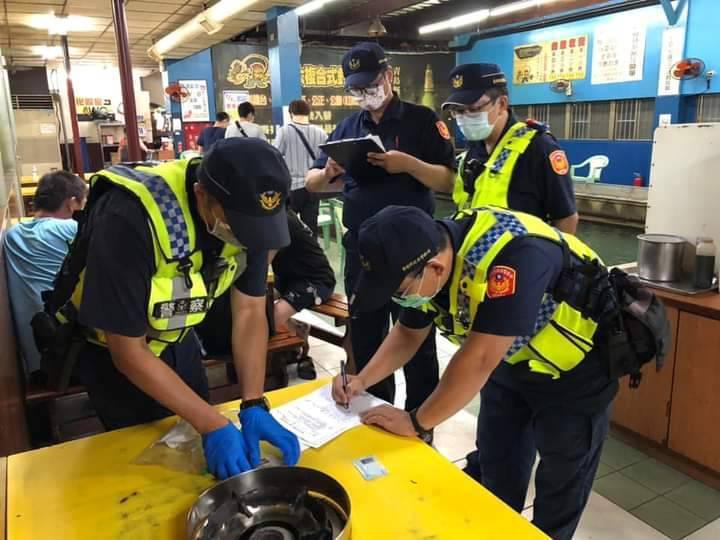 台南市警局動員600名警力全力稽查轄區八大行業。記者吳淑玲/翻攝