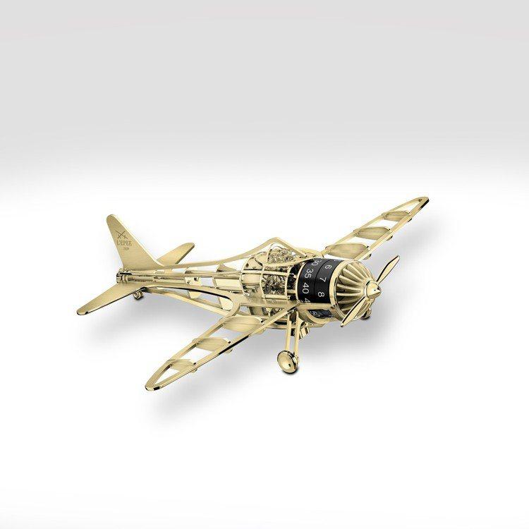 還難以真正遠行的時刻,用一架L'Epée 1839小飛機,帶領心中的小...