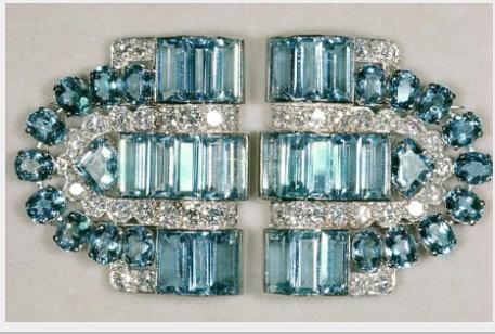 寶詩龍(Boucheron)海水藍寶、鑽石雙夾胸針,散發鮮明的Art Deco裝...