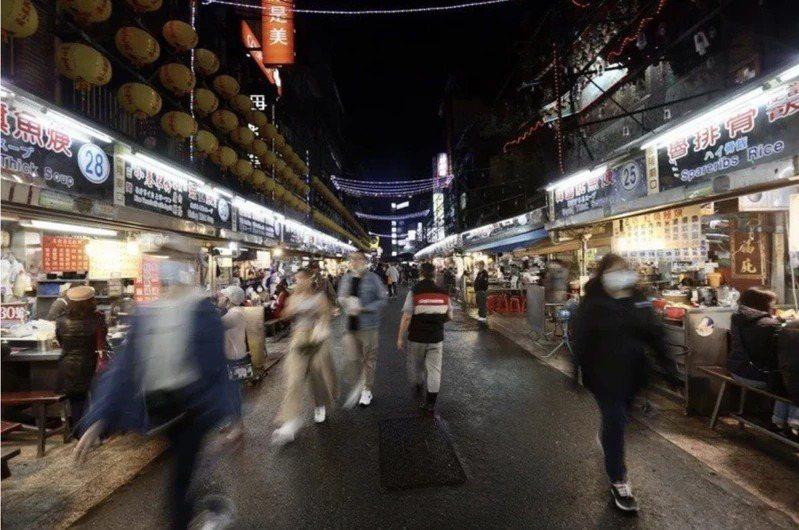 疫情升溫,各縣市旅遊人潮下滑。聯合報系資料照