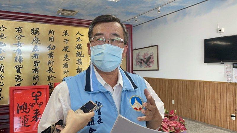 金門縣府秘書長陳朝金今天下午針對14項防疫措施,做出詳細說明。記者蔡家蓁/翻攝