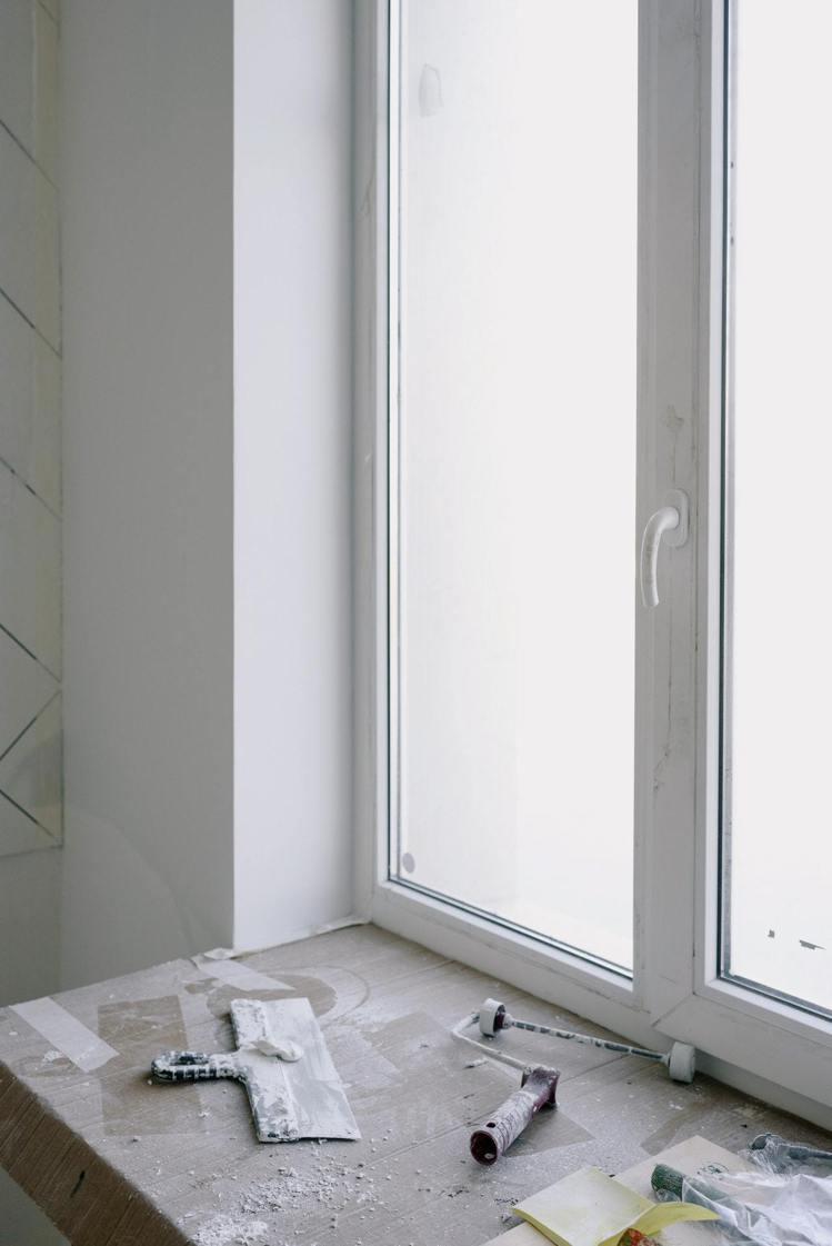 粉刷油漆時,千萬別因為氣味而立即開窗。圖/摘自pexels