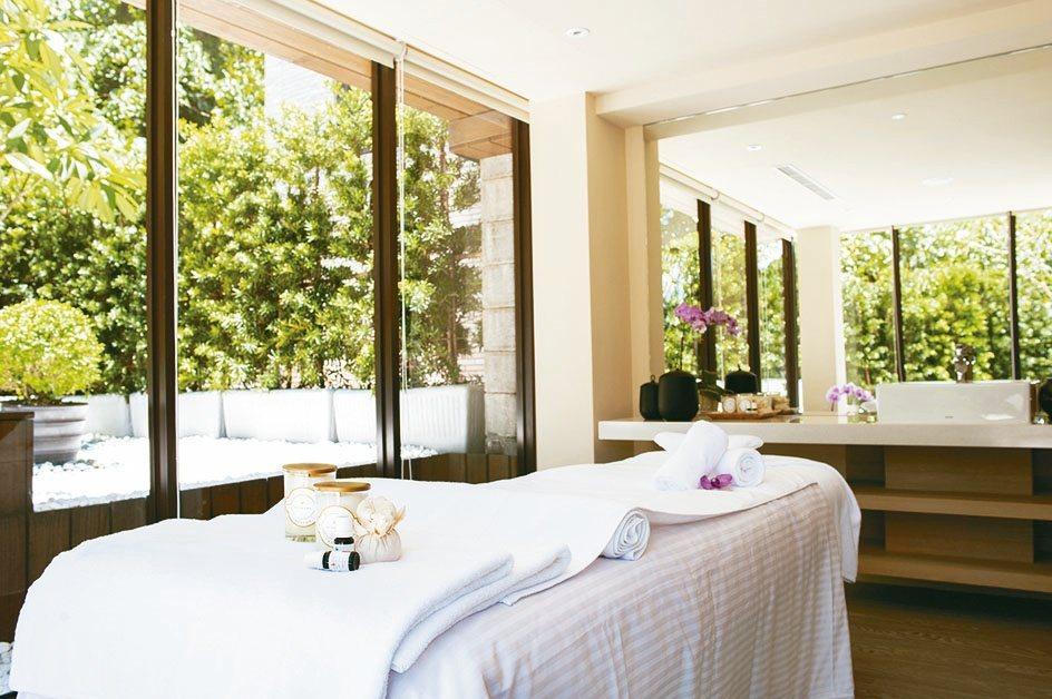 大地酒店採光良好、納進綠意的SPA空間。大地酒店/提供