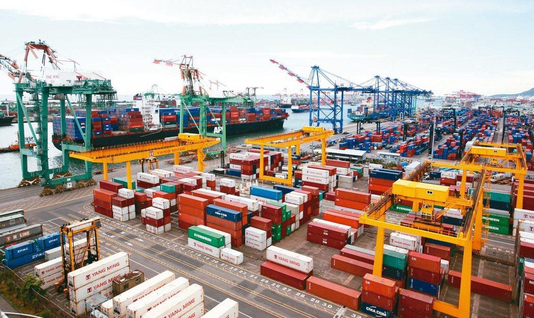 財政部統計處長蔡美娜表示,今年我國出口持續「淡季不淡」。(本報系資料庫)