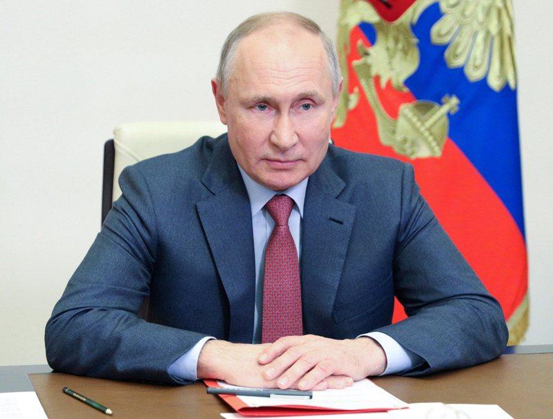 俄國總統普亭向全球大力推銷國家旗艦疫苗「史普尼克V」,如今卻陷入產量不足、交貨延期的窘境。路透