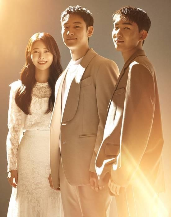 洪承希(左起)、李帝勳、陳俊翔在「Move to Heaven:我是遺物整理師」...