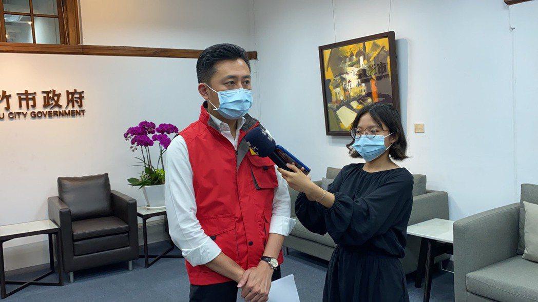 新竹市長林智堅今天下午舉行防疫會議,宣布竹市「準三級防疫準備」四大防疫重點。記者...
