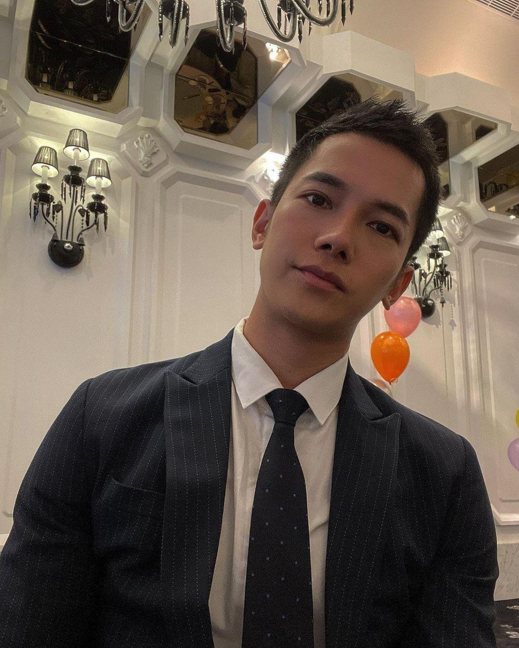 梁瀚名近來繼續拍攝TVBS八點檔「女力報到愛情公寓」。圖/摘自IG