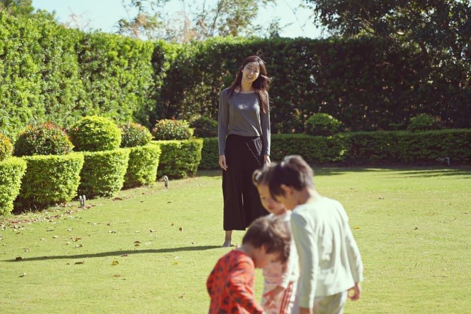 隋棠提到戲延拍、活動也取消,她多半待在家裡陪伴孩子們。圖/摘自臉書