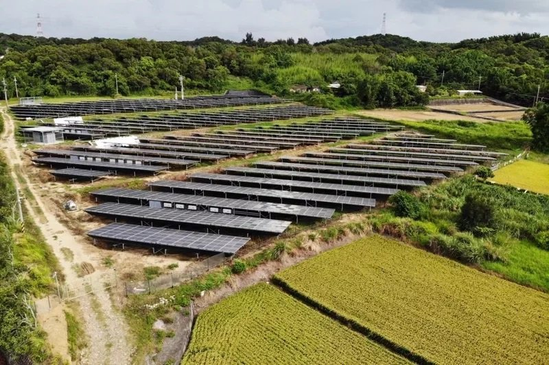 苗栗縣政府半年來審查219件2公頃以下地面型光電設施申請案,通過92件,比率42%。本報資料照片
