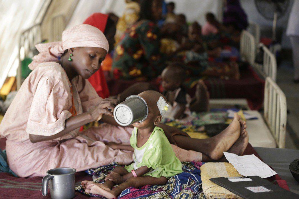 新冠肺炎疫情危機導致全球在去年出現至少五年來最嚴重的飢荒,而今年的前景依舊籠罩陰...