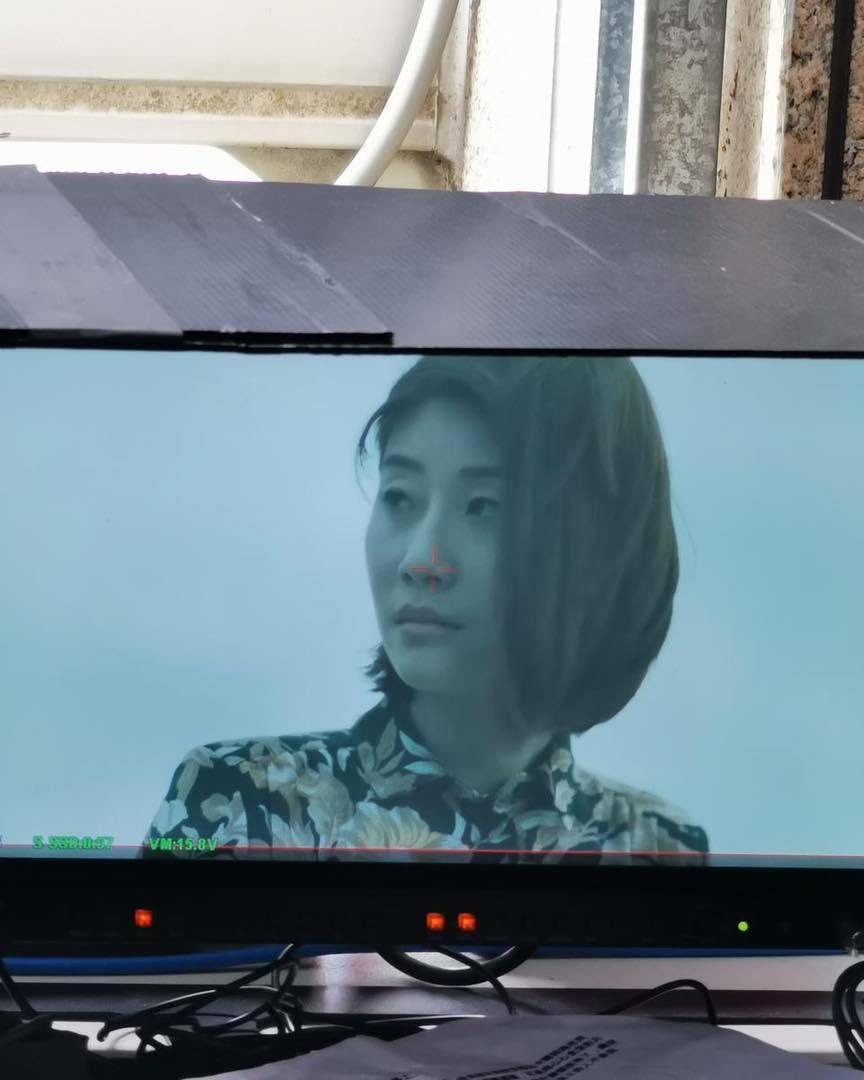 朱芷瑩揭拍攝墜樓輕生戲的幕後拍攝秘密。  自殺,不能解決難題;求助,才是最好的