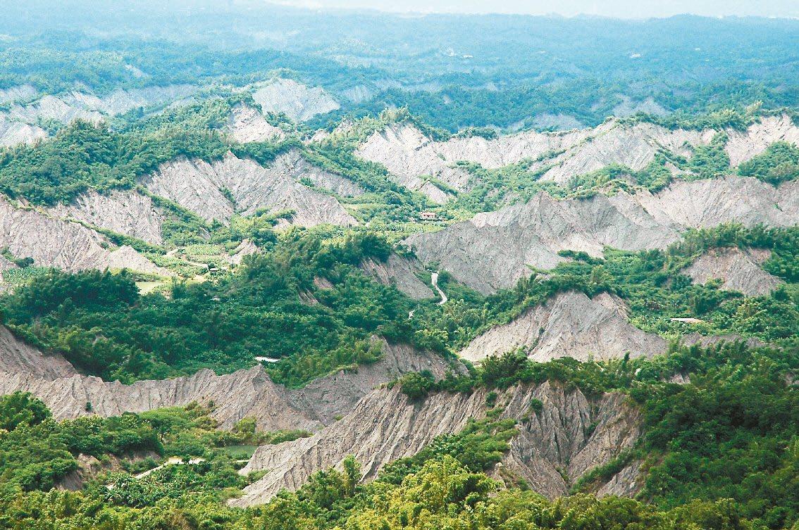 台南左鎮和龍崎交界有世界級堊地形景觀。 圖/吳淑玲 攝影
