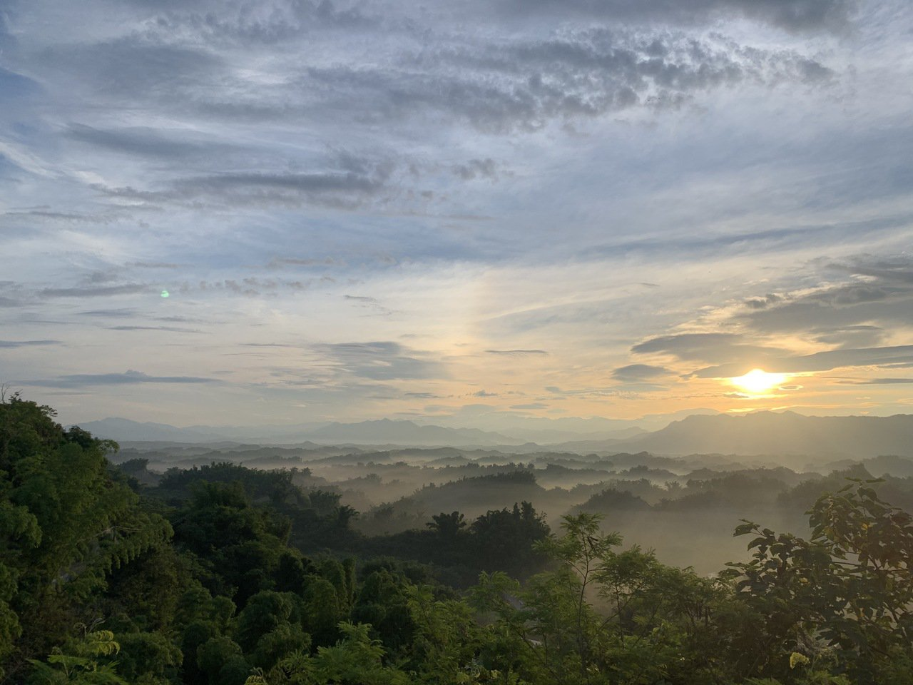 台南左鎮二寮觀日亭可欣賞最低海拔日出雲海。 圖/吳淑玲 攝影