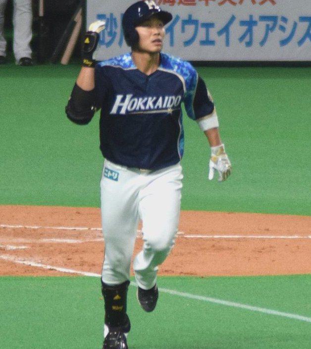 兩年前頂著「台灣大王」光環風光加盟日本火腿的王柏融,在經過前兩個賽季的適應期後,本季總算繳出頂級身手。 取自觀眾推特