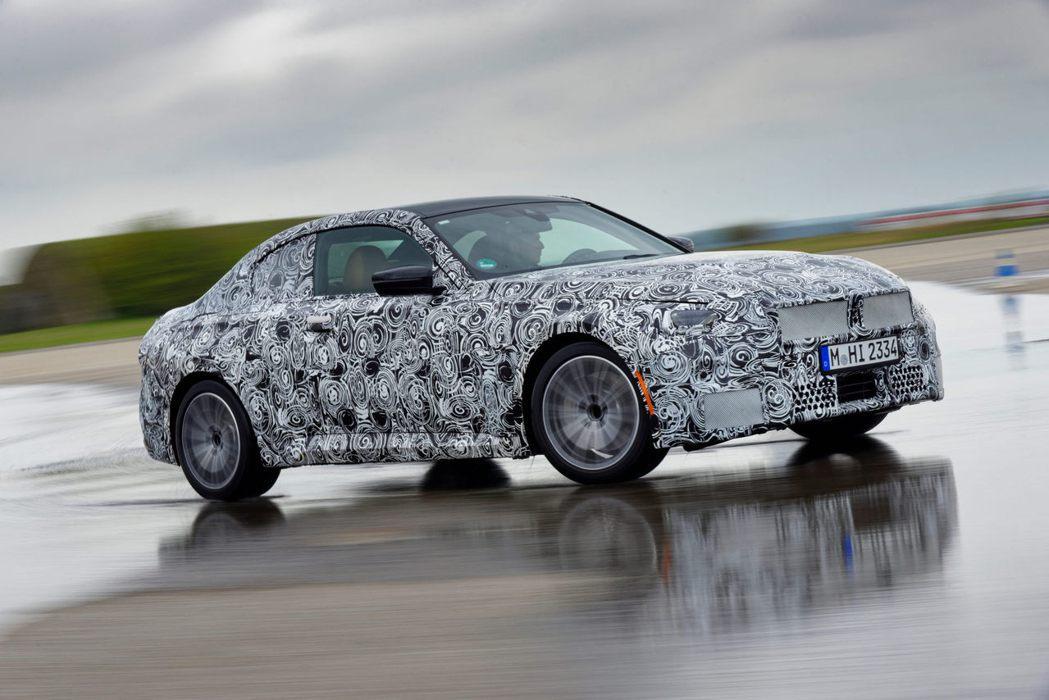 BMW 2-Series Coupe測試車公開。 摘自BMW